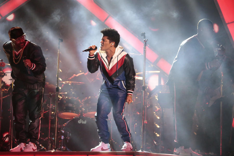 Bruno Mars performs at the 59th Grammy Awards. (Robert Gauthier / Los Angeles Times)