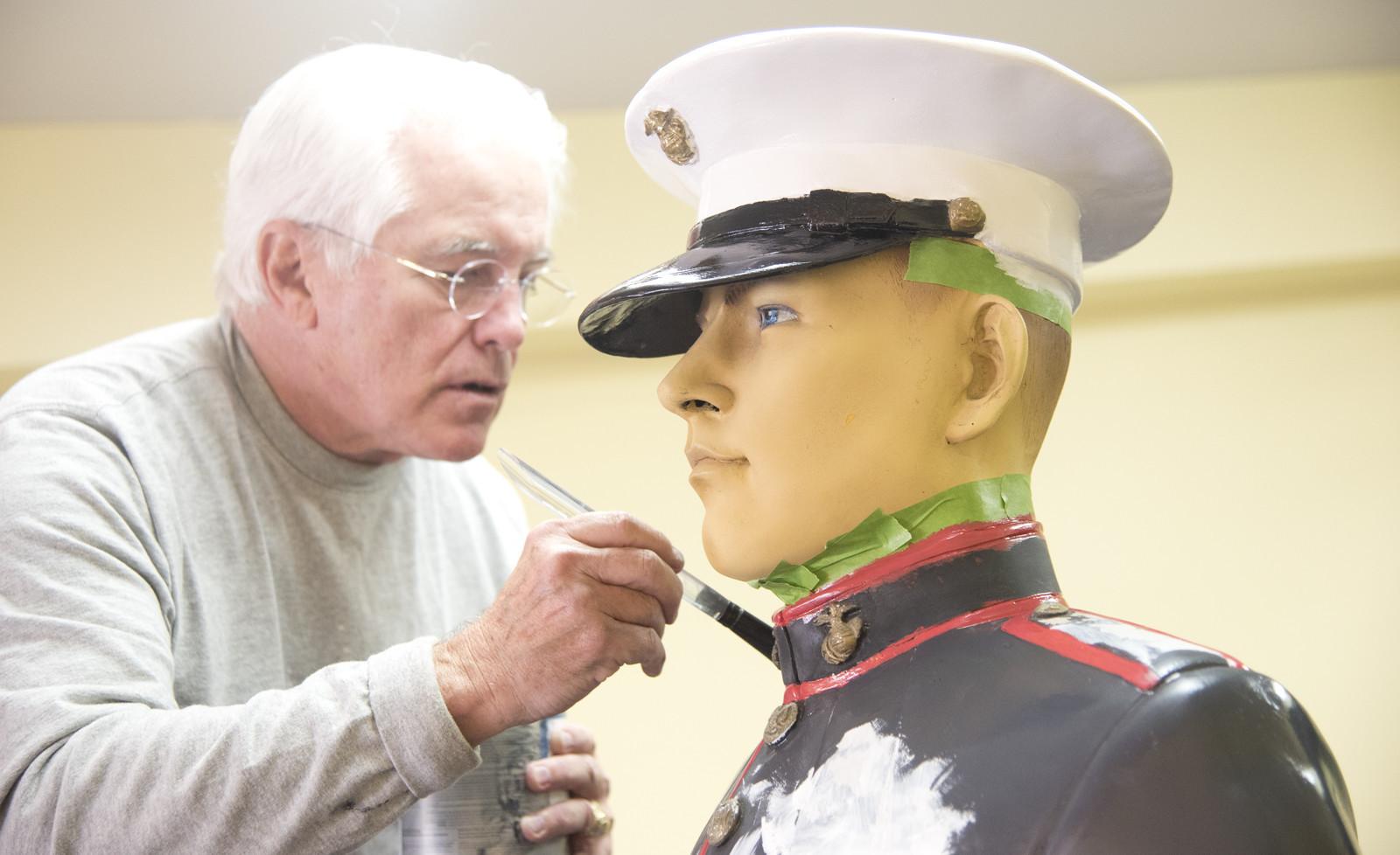 Annapolis Bookstore Marine gets a paintjob