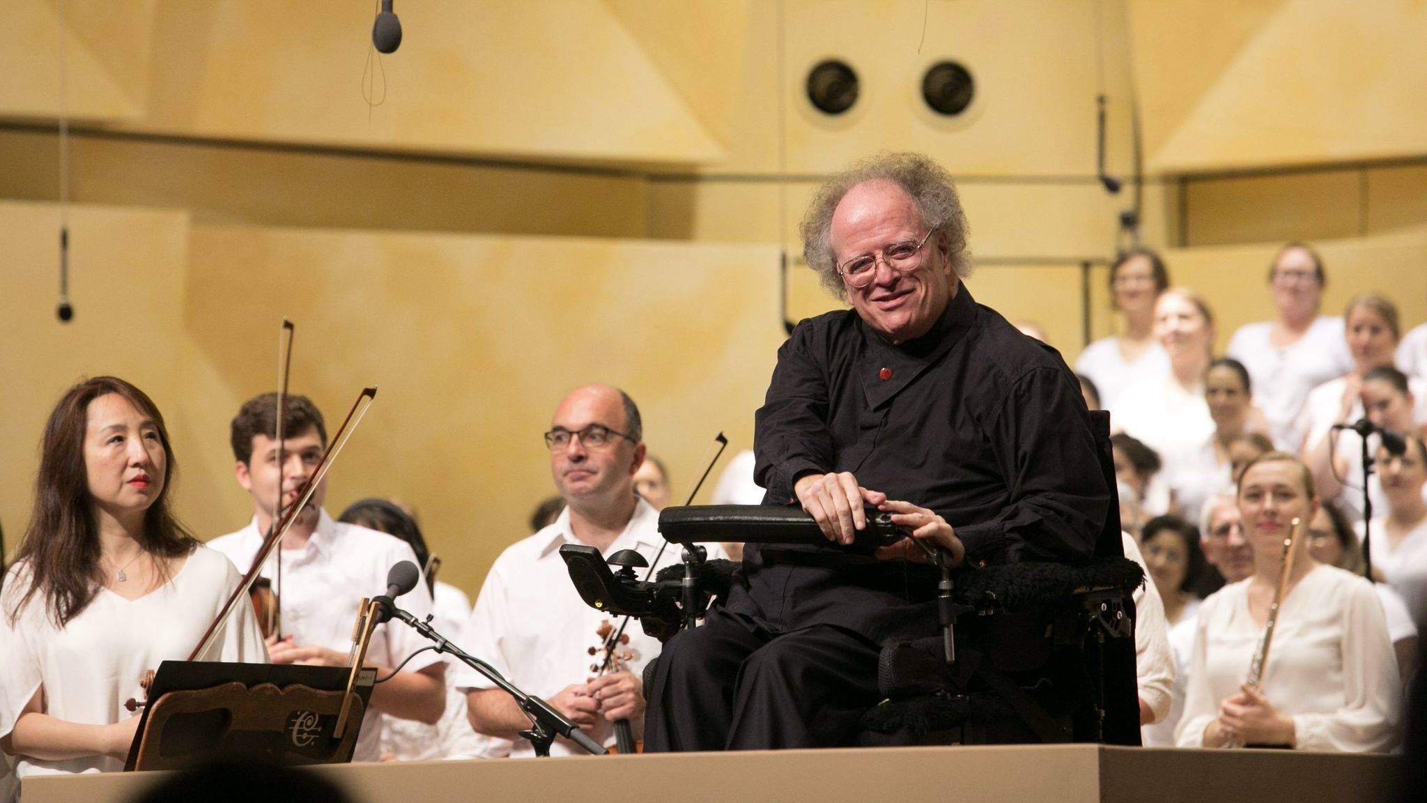 Conductor James Levine, ousted after sex abuse inquiry, sues Metropolitan Opera