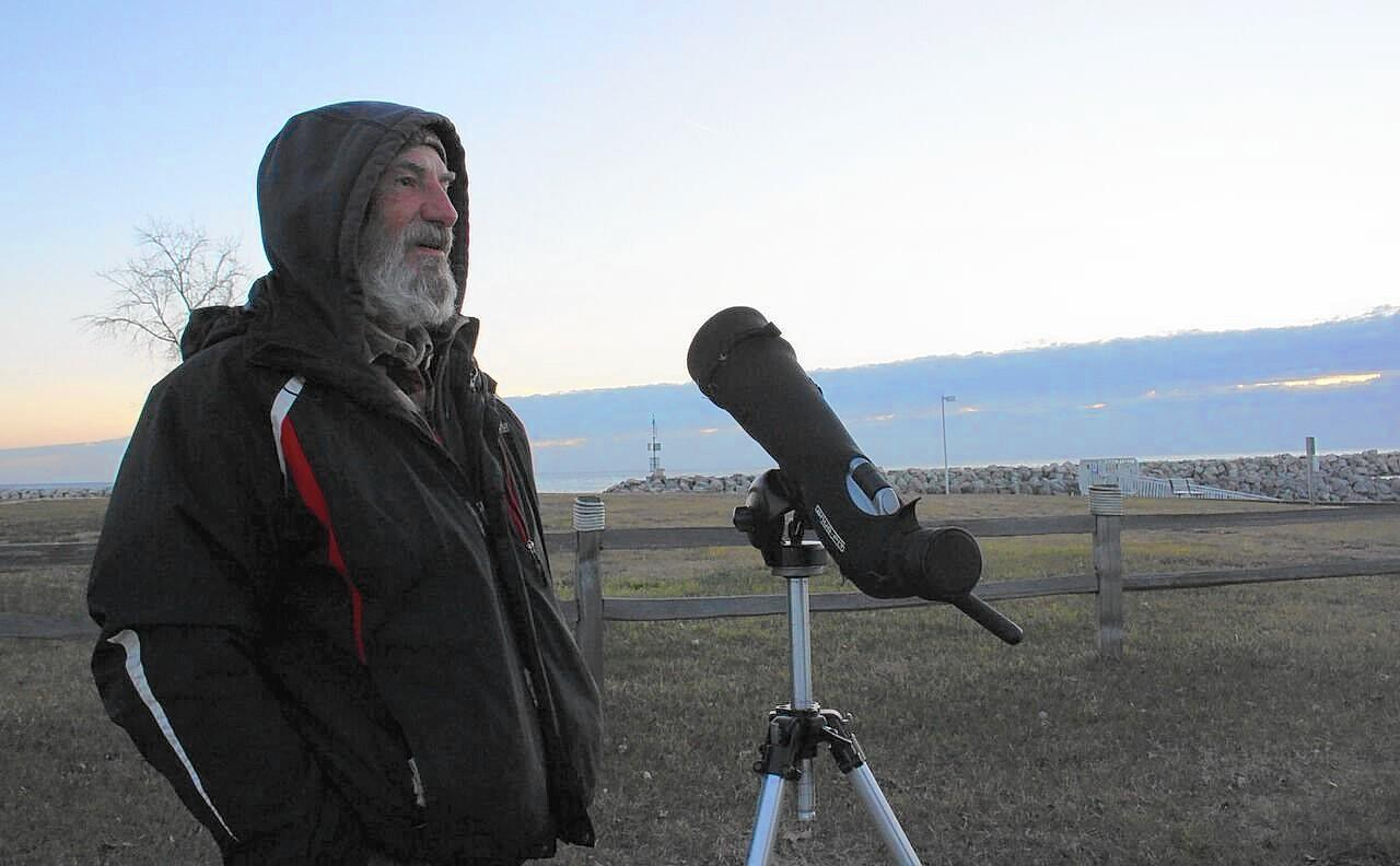 Libertyville birder breaks record for most species seen in any Illinois county in one year