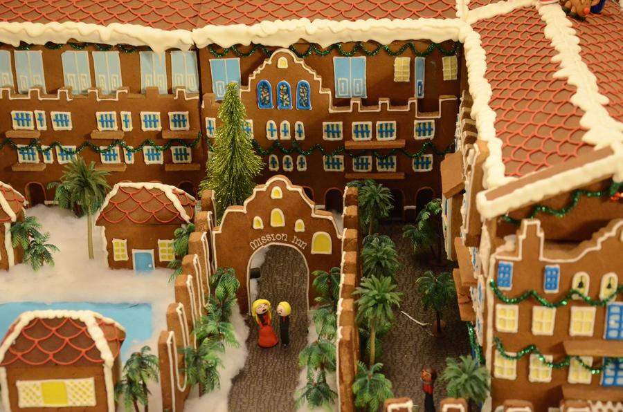There's a gingerbread hotel in the inn's lobby. (Christopher Reynolds/Los Angeles Times)