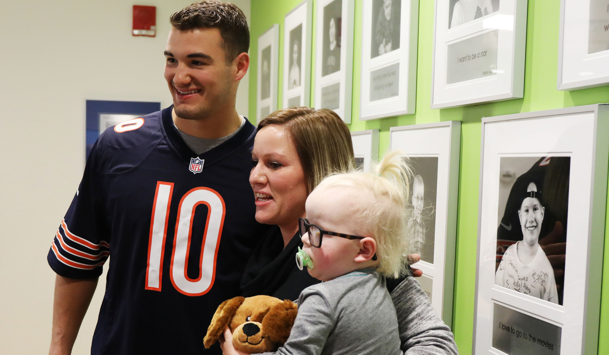 Ct-bears-visit-lurie-childrens-hospital-20171205