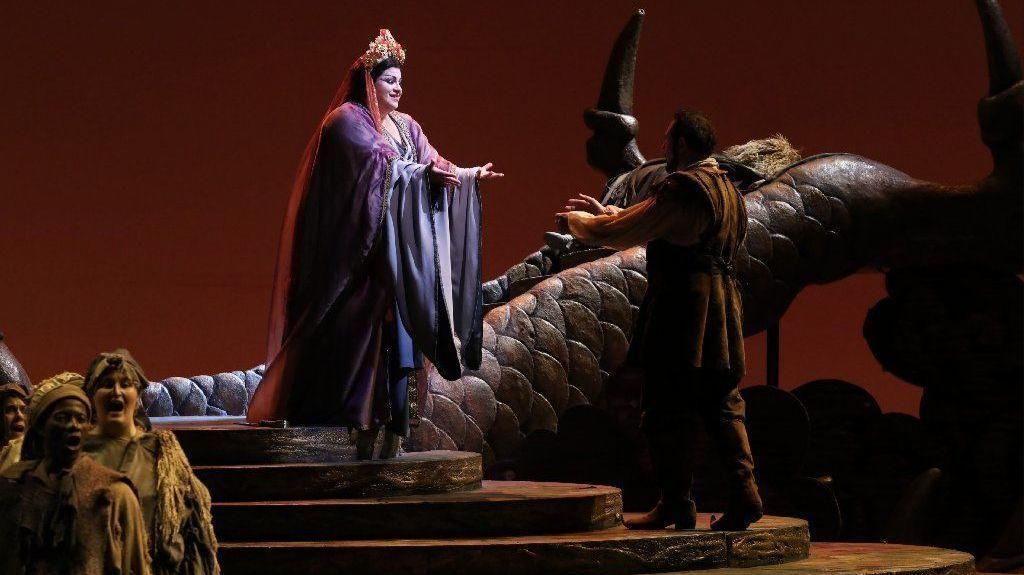 magic is missing from lyric opera u0026 39 s hand