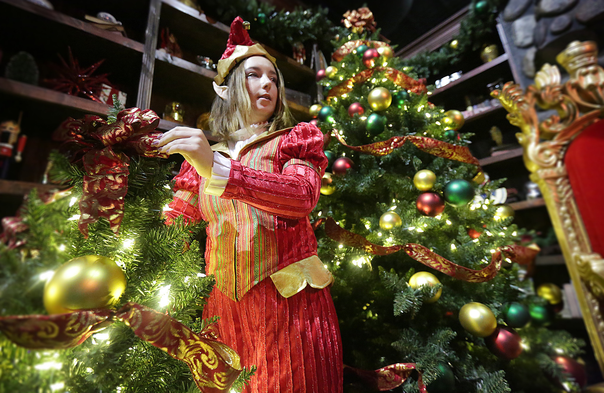Pictures Busch Gardens 39 Christmas Town Daily Press