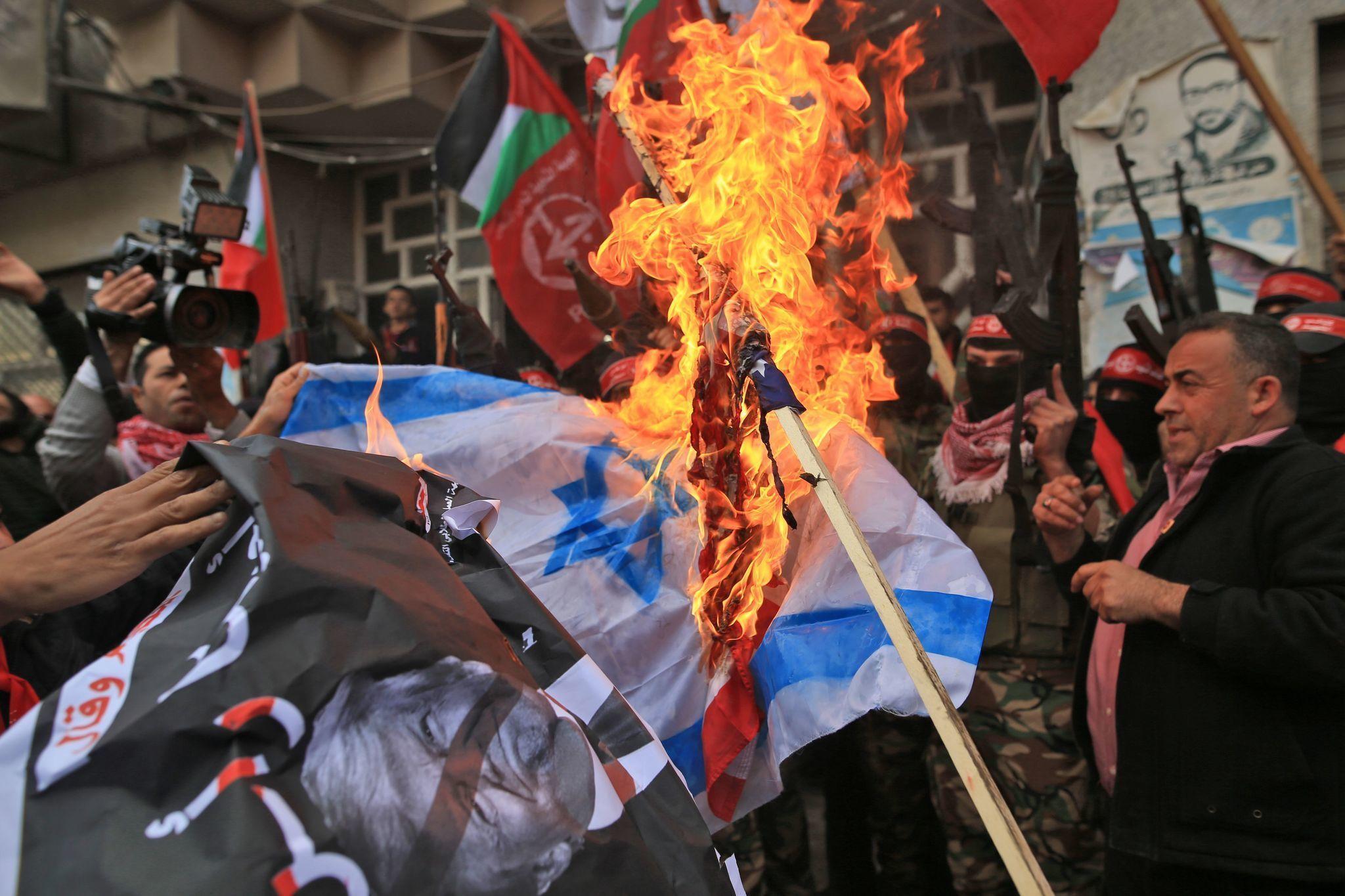Protests across Middle East, embassies warn U.S. citizens following Trump's Jerusalem declaration