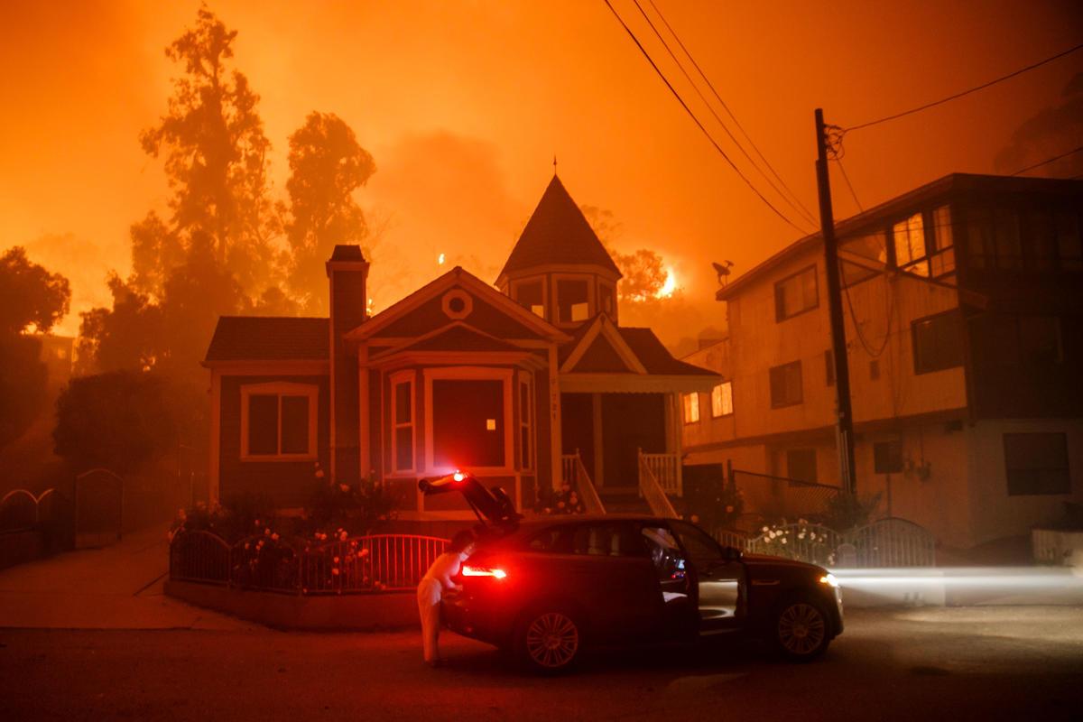 Photos: Otherworldly scenes unfold as Thomas fire burns ...