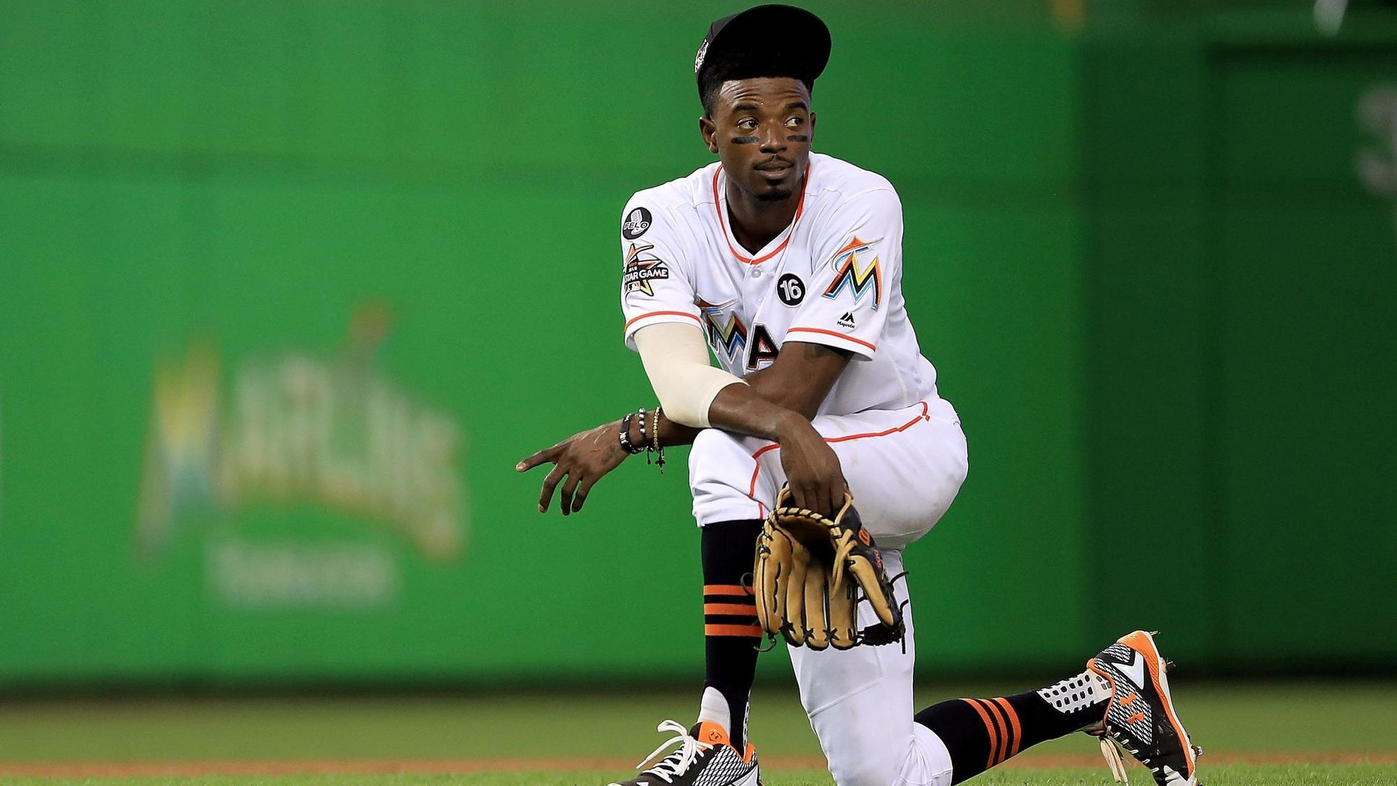 Marlins Trade Dee Gordon To Mariners For Prospects Sun