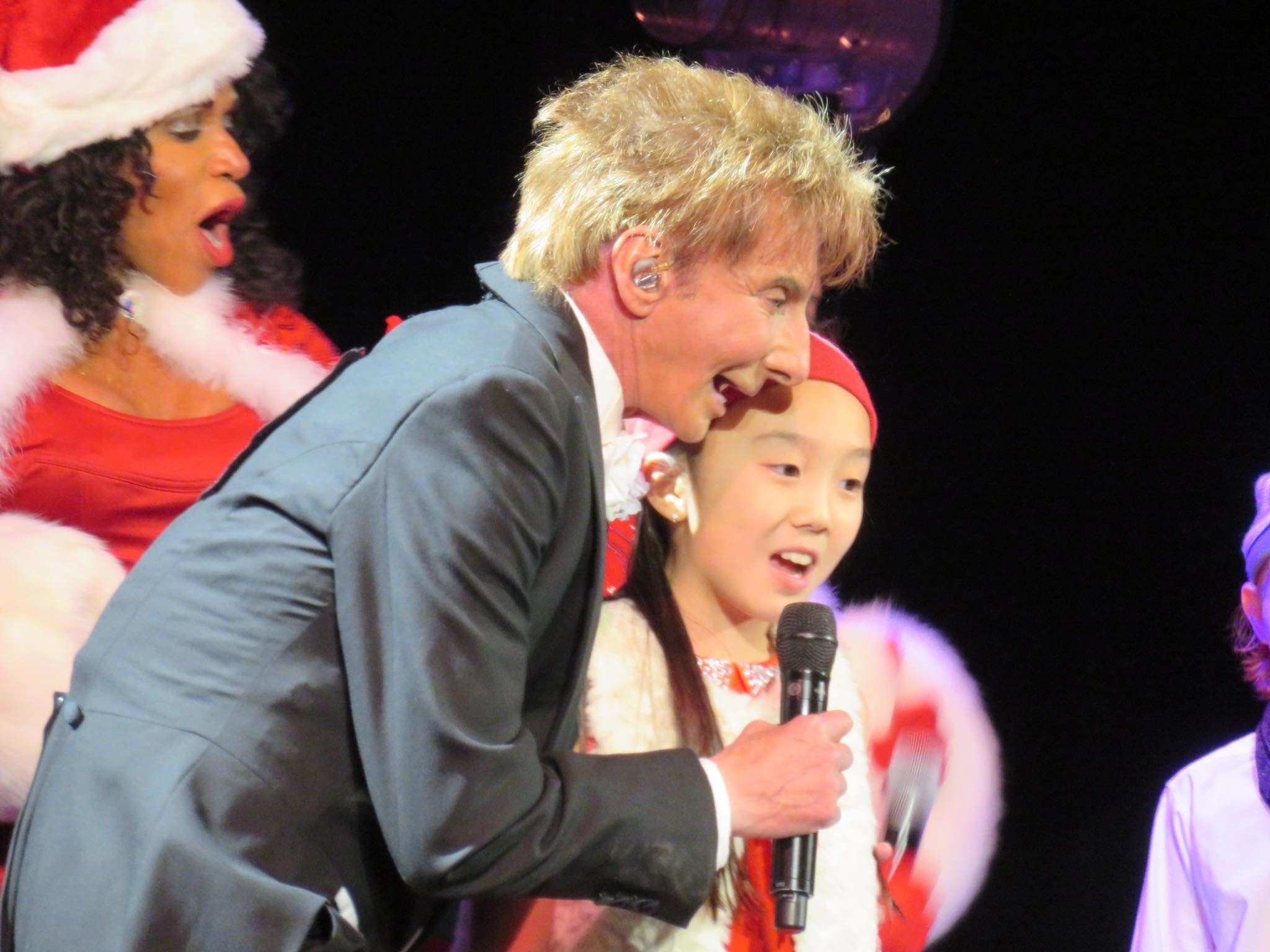 Red Rose Children\'s Choir help Barry Manilow bring holiday cheer at ...