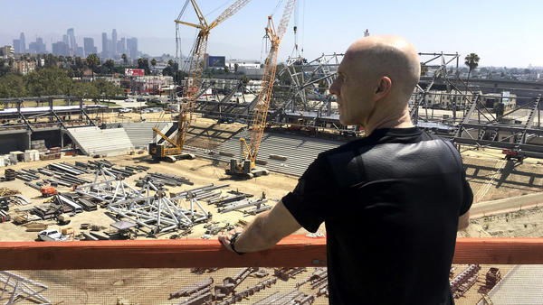 Busy week ahead for building LAFC, rebuilding Galaxy