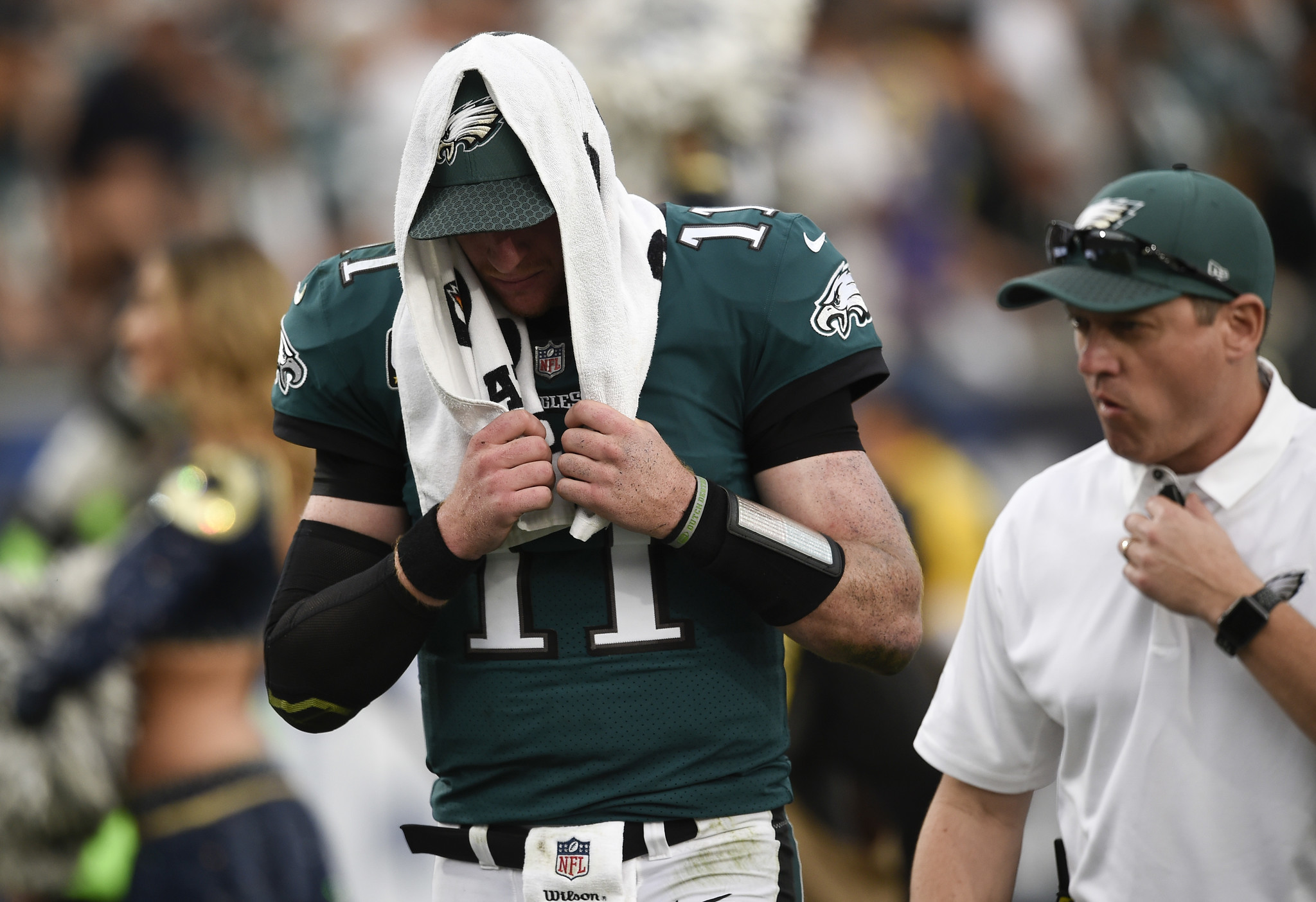 is there a place for carson wentz in the los angeles rams Philadelphia eagles quarterback carson wentz left sunday afternoon's game against the los angeles rams in the third quarter with a left knee injury, and eagles coach doug pederson said after the game that he did not have any additional information on the injury and refused to speculate, but noted.