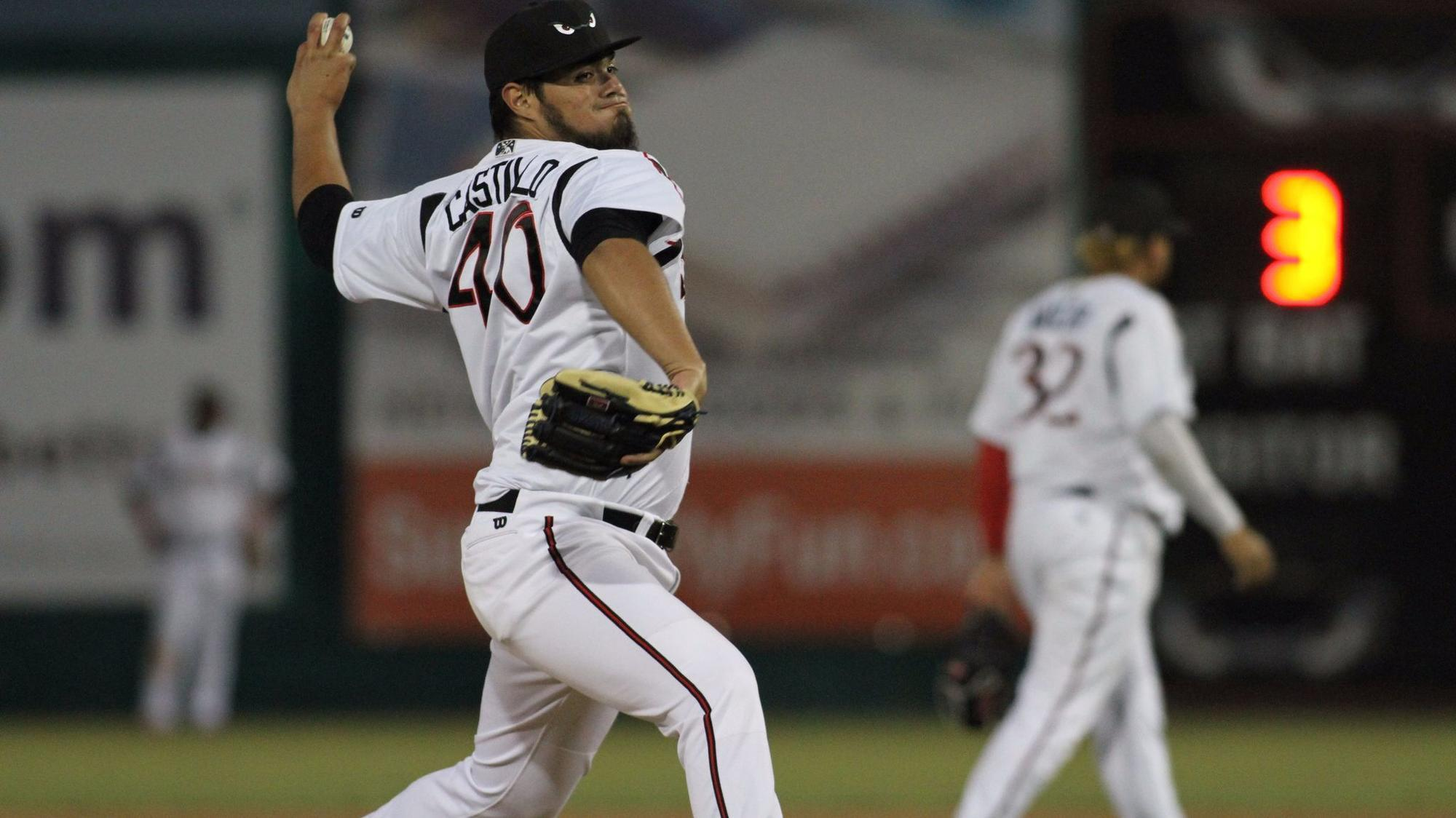 Sd-sp-padres-roster-review-jose-castillo-20171211