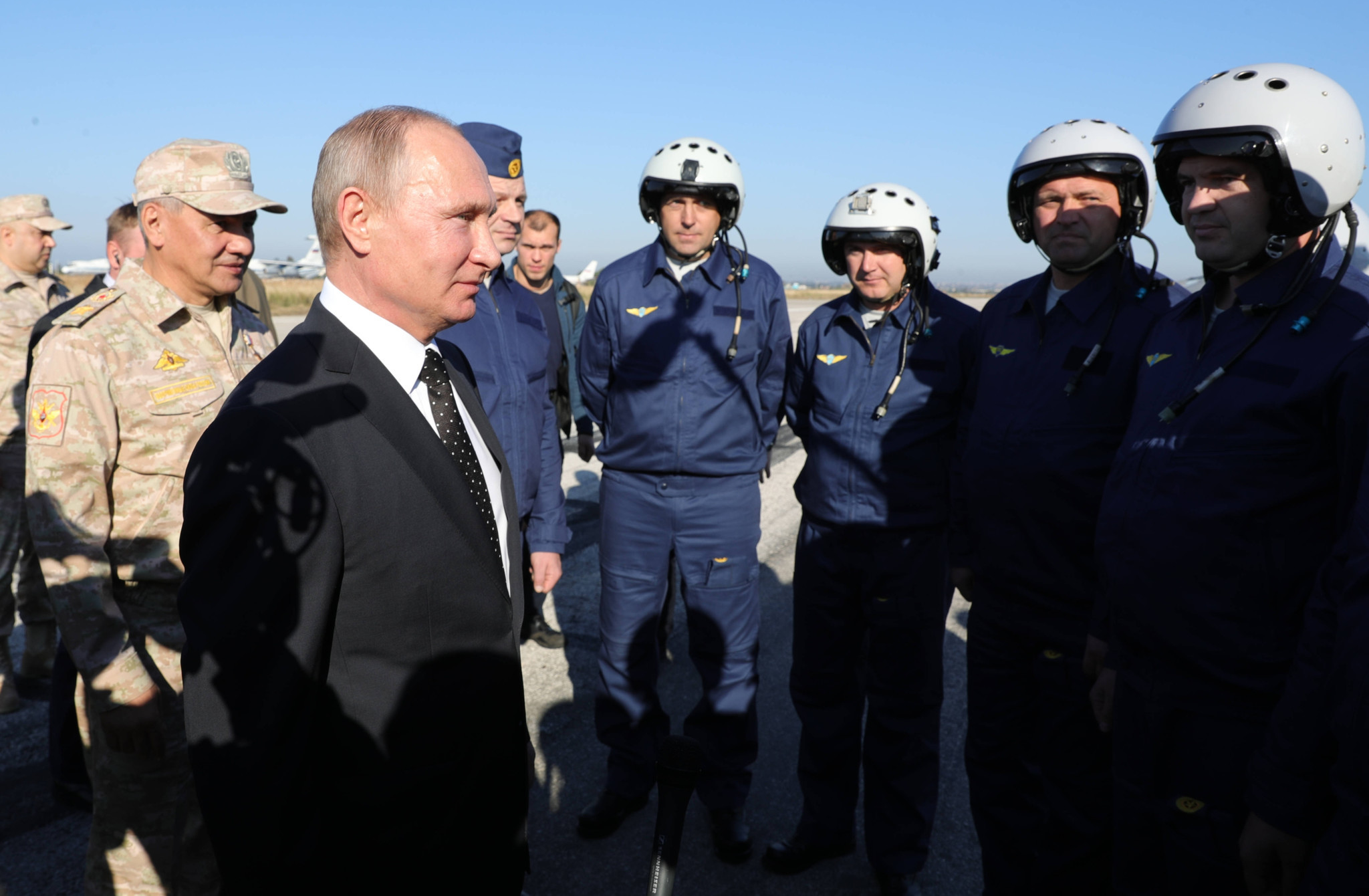 A confident and upbeat Putin goes on Mideast 'victory' tour (chicagotribune.com)