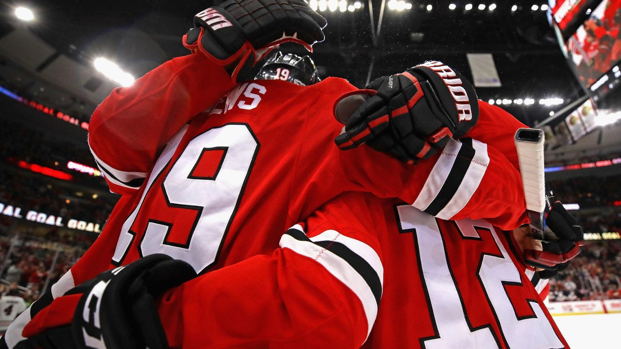 Ct-spt-blackhawks-jets-preview-20171213