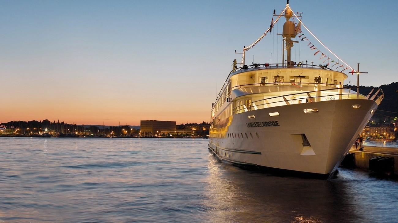 valentines day cruises will sail to naples and italys amalfi coast la times - Valentines Day Cruises