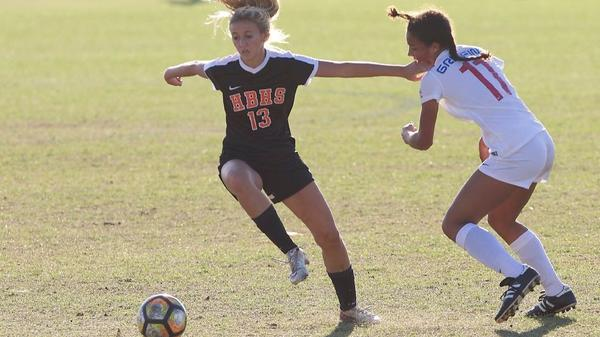 Huntington Beach girls' soccer loses to rival Los Alamitos at Mater Dei tournament