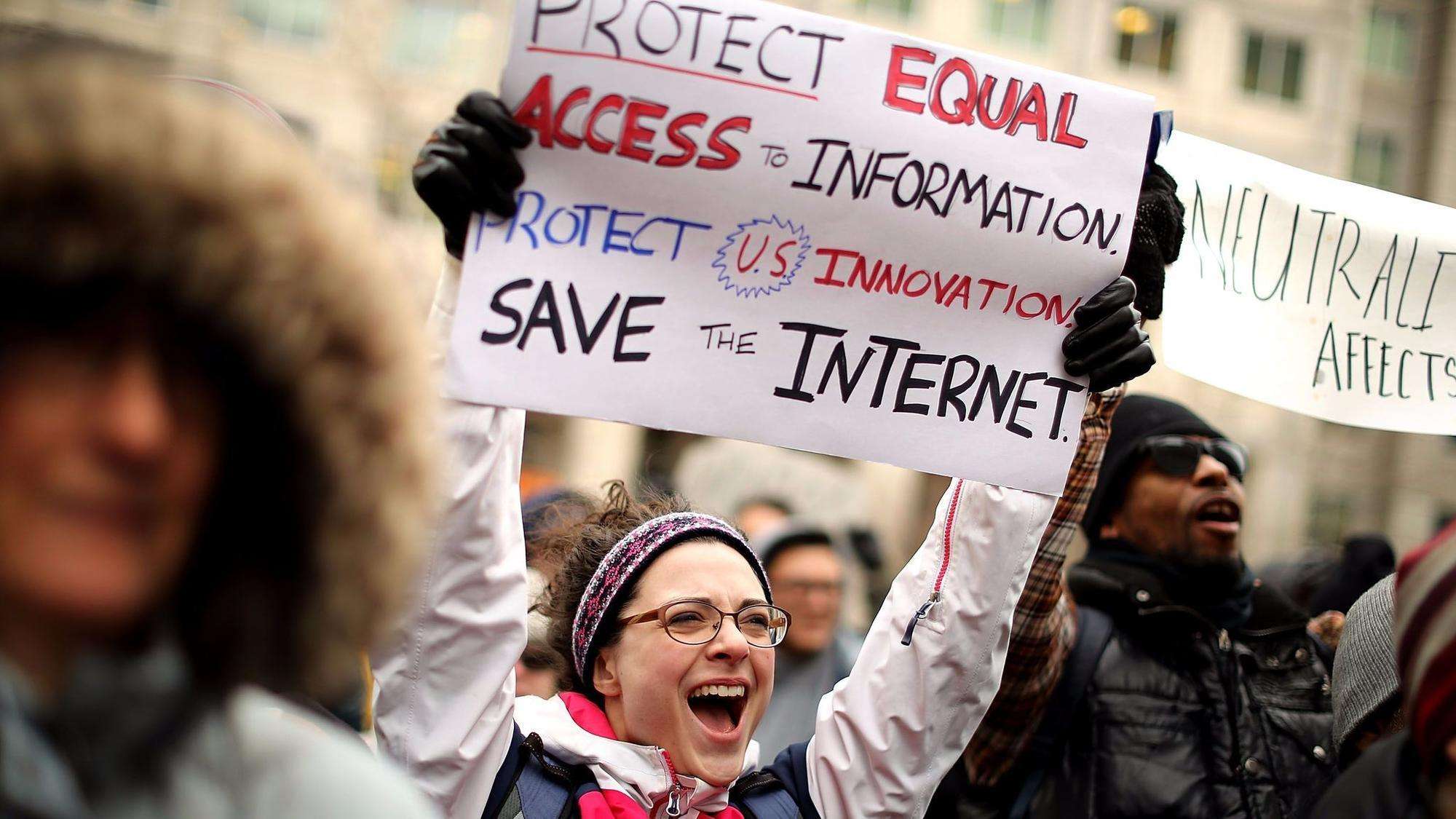 FCC votes to repeal net neutrality rules, a milestone for Republican deregulation push
