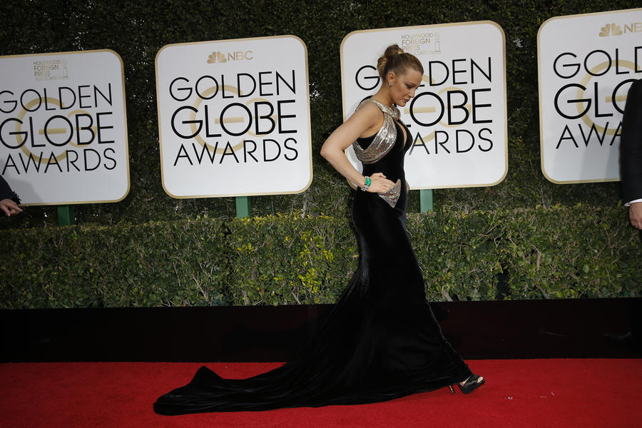 Blake Lively arrives at the 74th Golden Globe Awards on Jan. 8. (Jay L. Clendenin / Los Angeles Times)