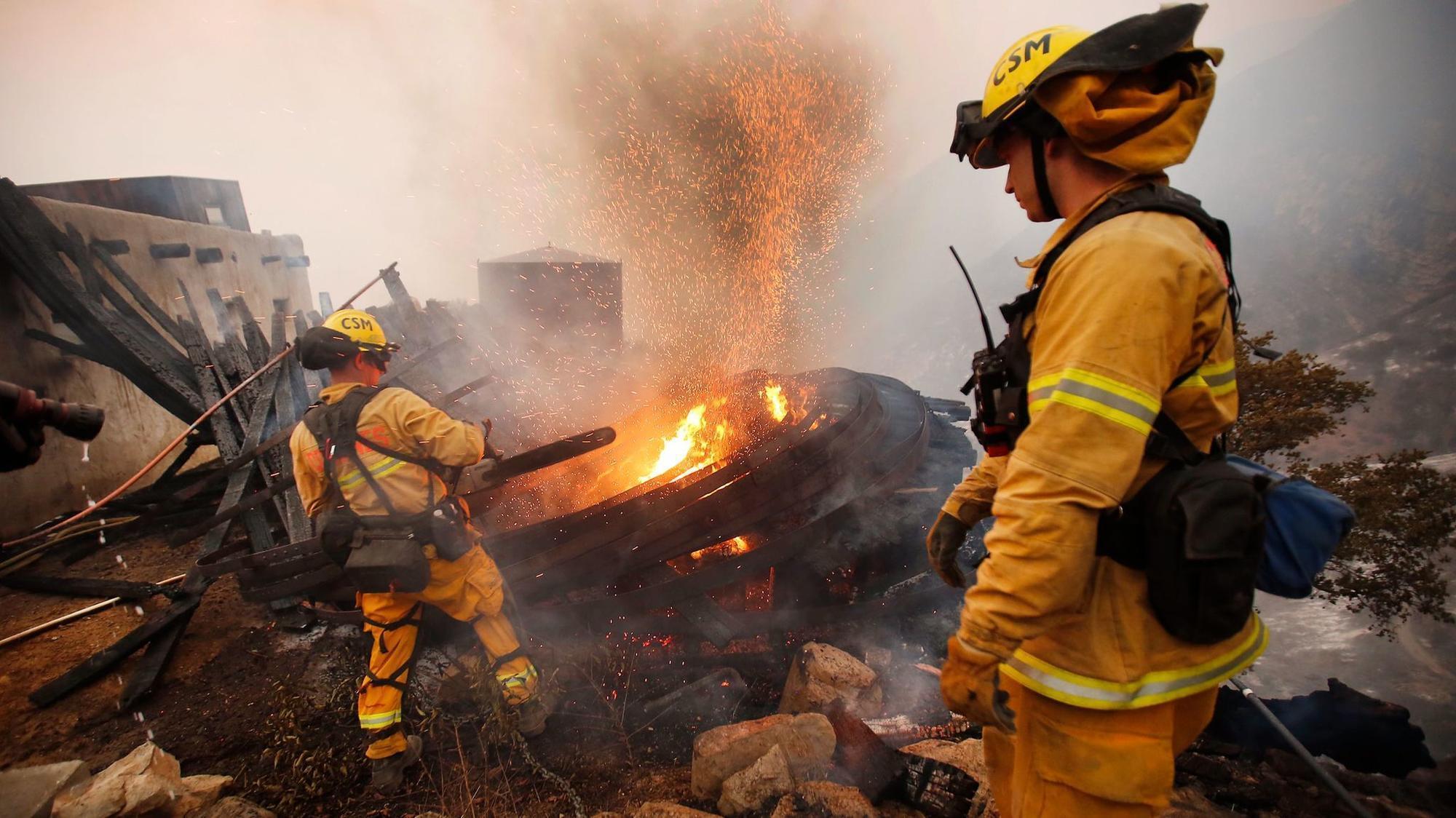 Firefighter killed battling Thomas fire as massive blaze moves toward Santa Barbara
