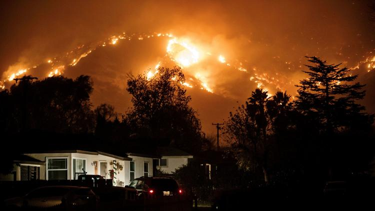 US Thomas Fire contained by half but likely to break record
