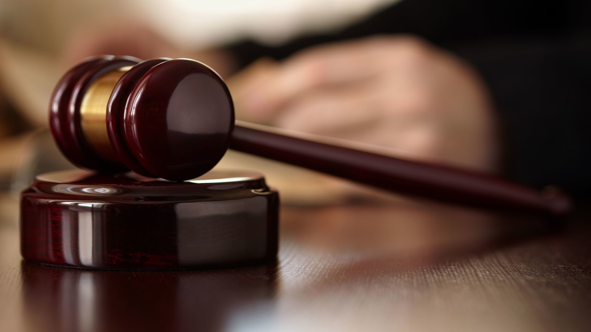 Iowa justice blocks Des Moines Register from reporting court records