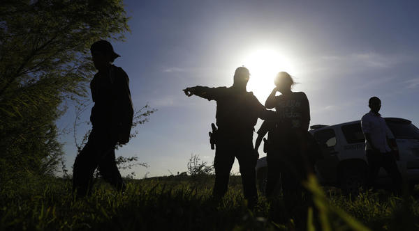 Government paying private firm $297 million to help hire 5,000 Border Patrol agents