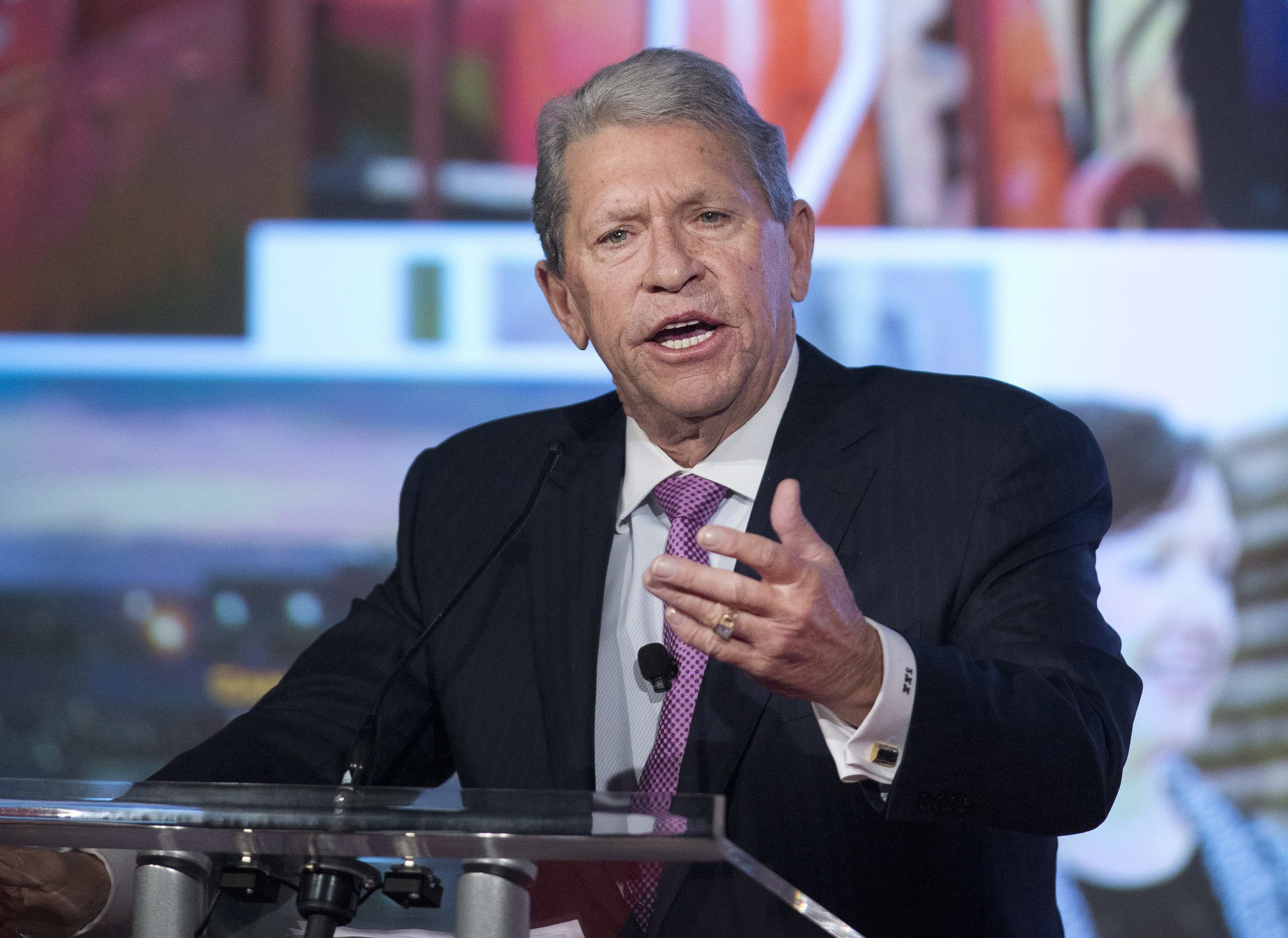 Hunter Harrison, CEO of railroad company CSX, dead at 73