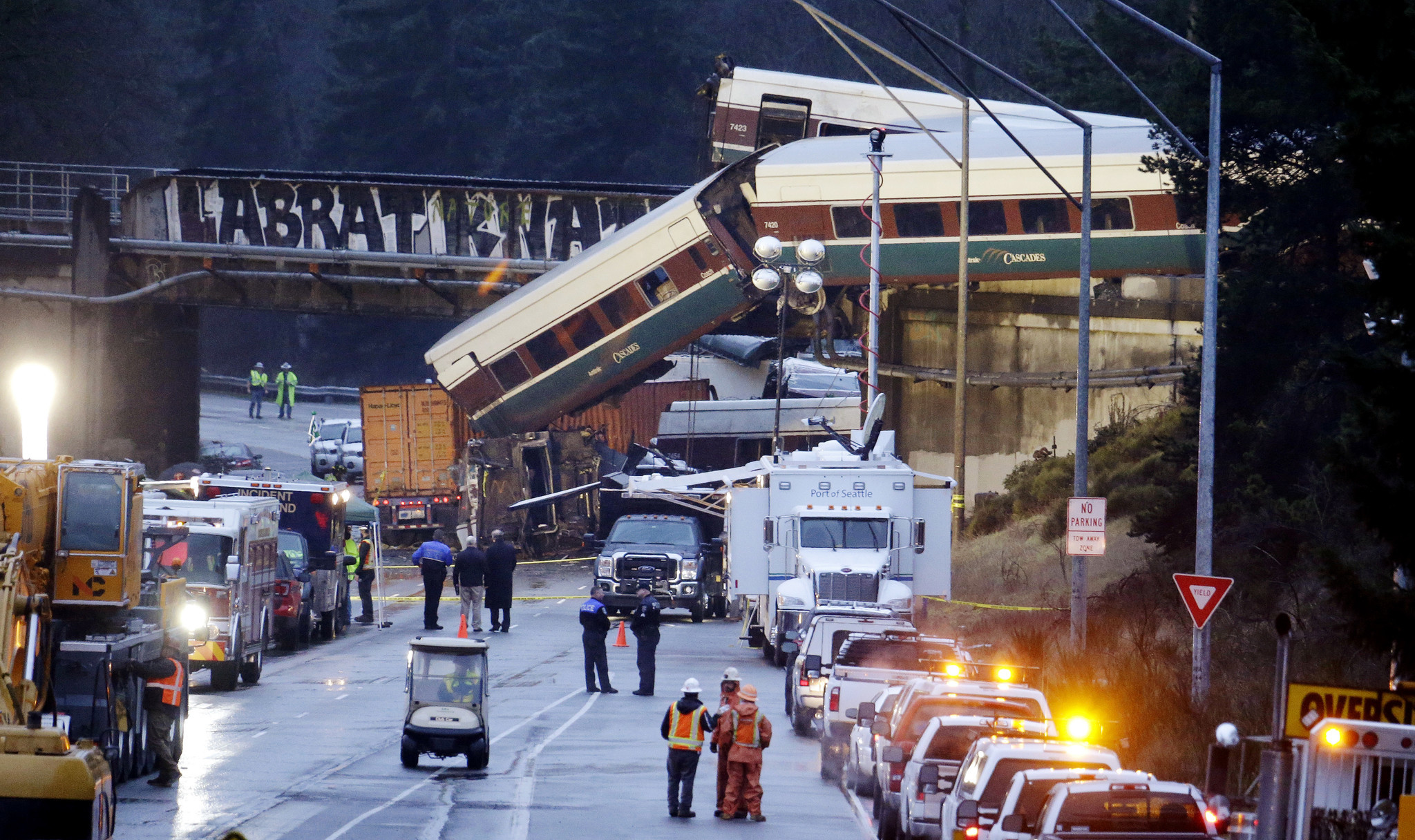Multiple people killed after Amtrak train derails in Washington, authorities say