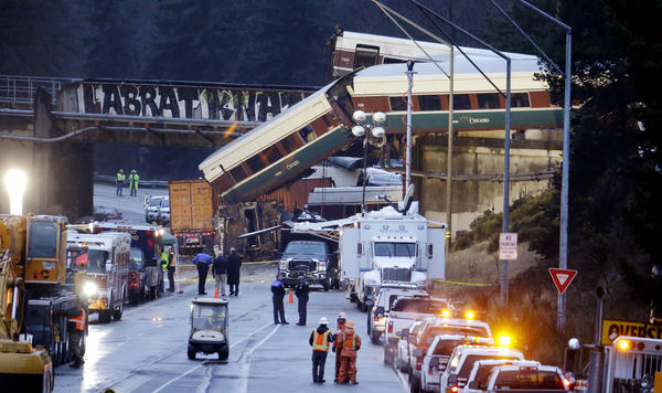 Amtrak train hurtles off overpass in Washington, killing at least 6 people