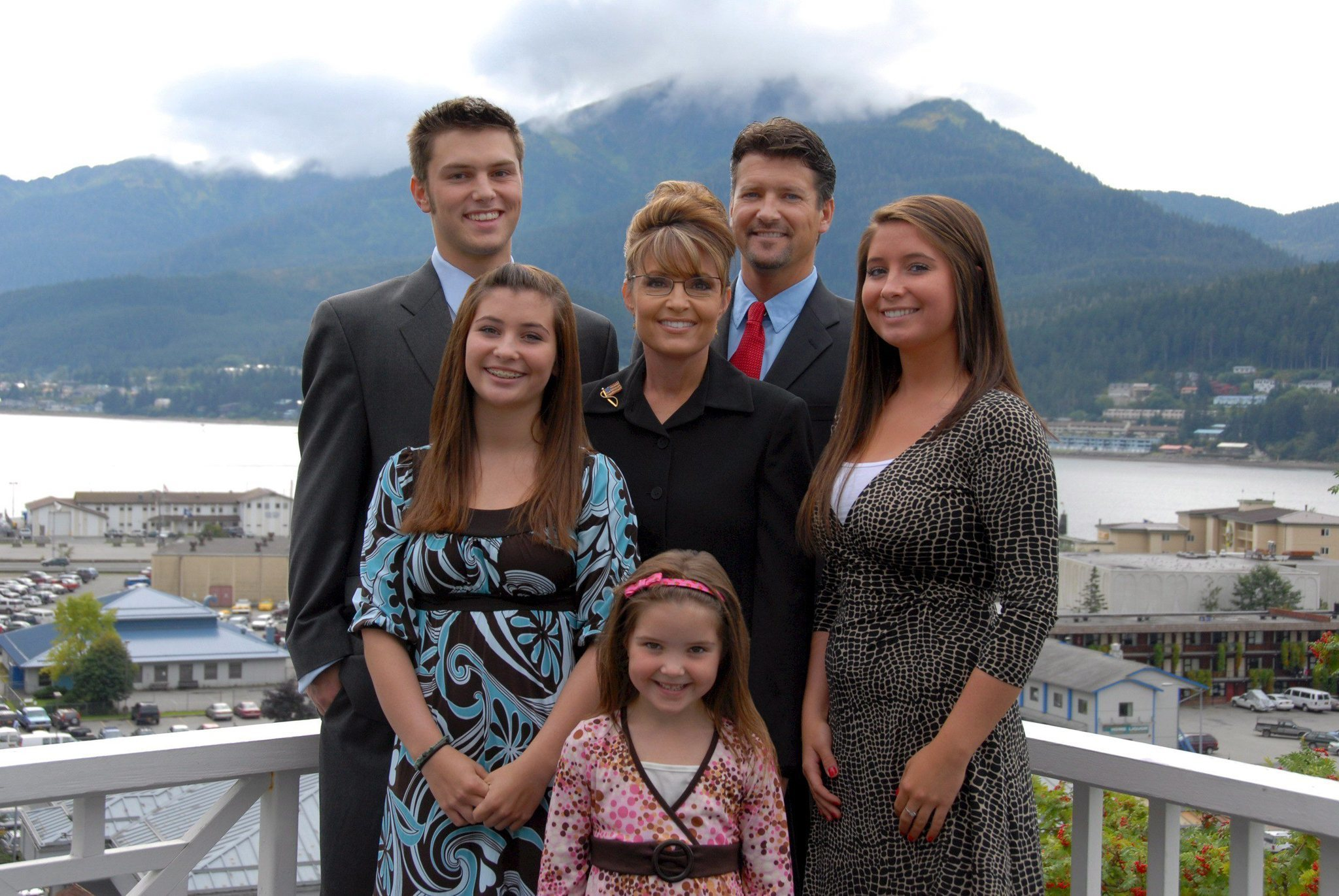 Track Palin, son of Sarah Palin, accused of assaulting his father