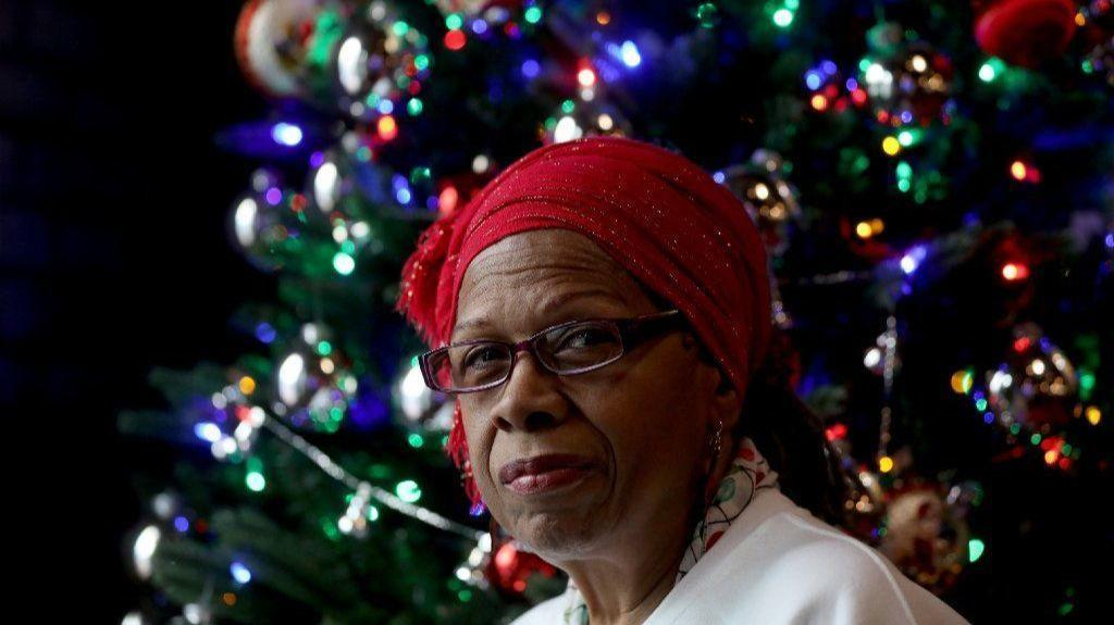 This Christmas\': How a Chicago postal worker and Donny Hathaway ...