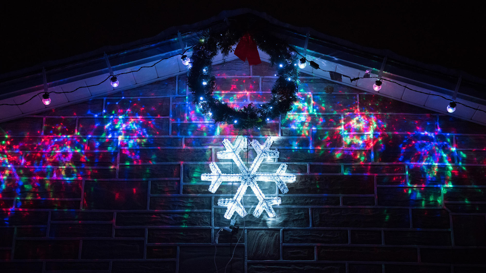 Bill white 39 s christmas lights 8 tours of the lehigh for Best white christmas lights