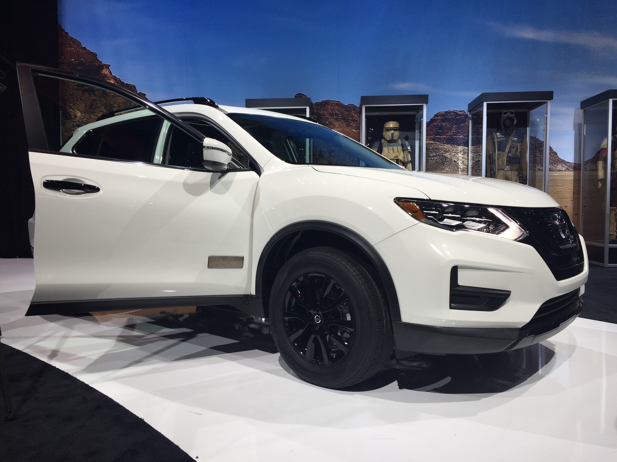 nissan rogue debuts to starfighters and dancing stormtroopers la times. Black Bedroom Furniture Sets. Home Design Ideas