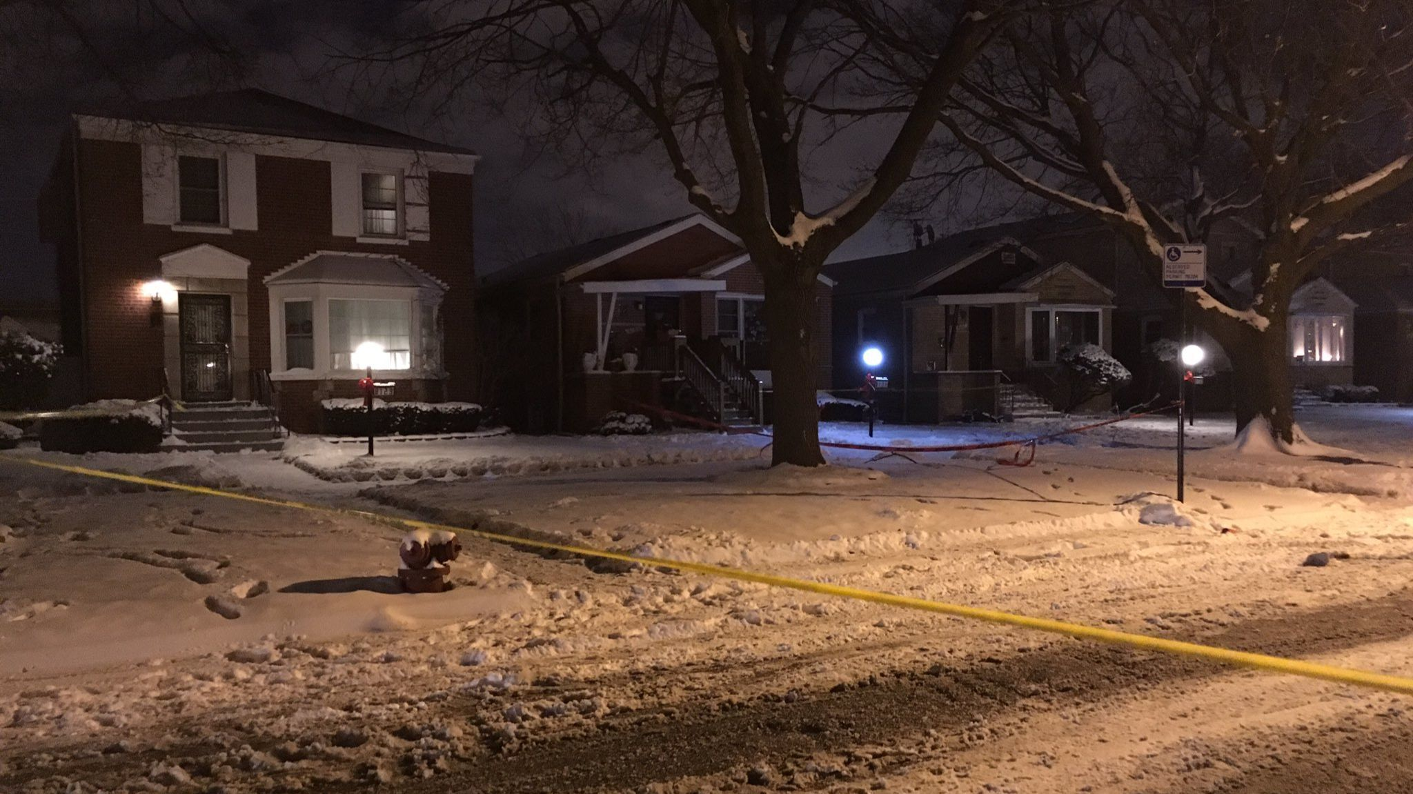 1 killed, 2 wounded in shootings at start of Christmas holiday