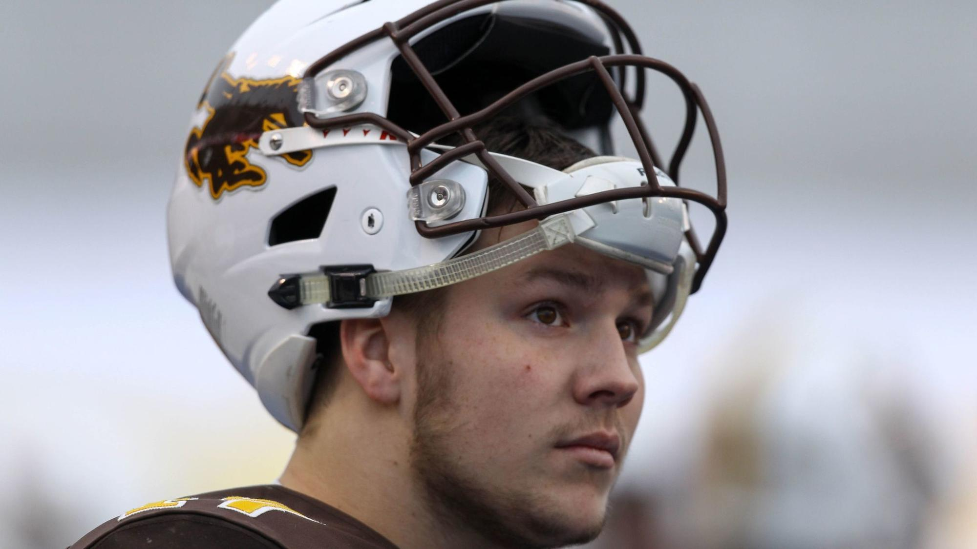 Nfl Debate Heating Up Over Wyoming S Josh Allen Should K