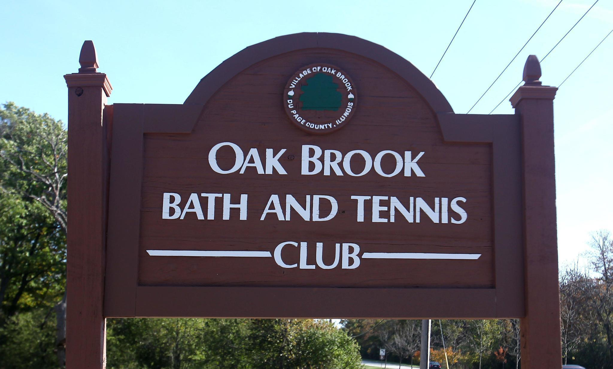 Oak Brook Will Pay Park District 255 000 To Begin Managing Bath And Tennis Club Pool The