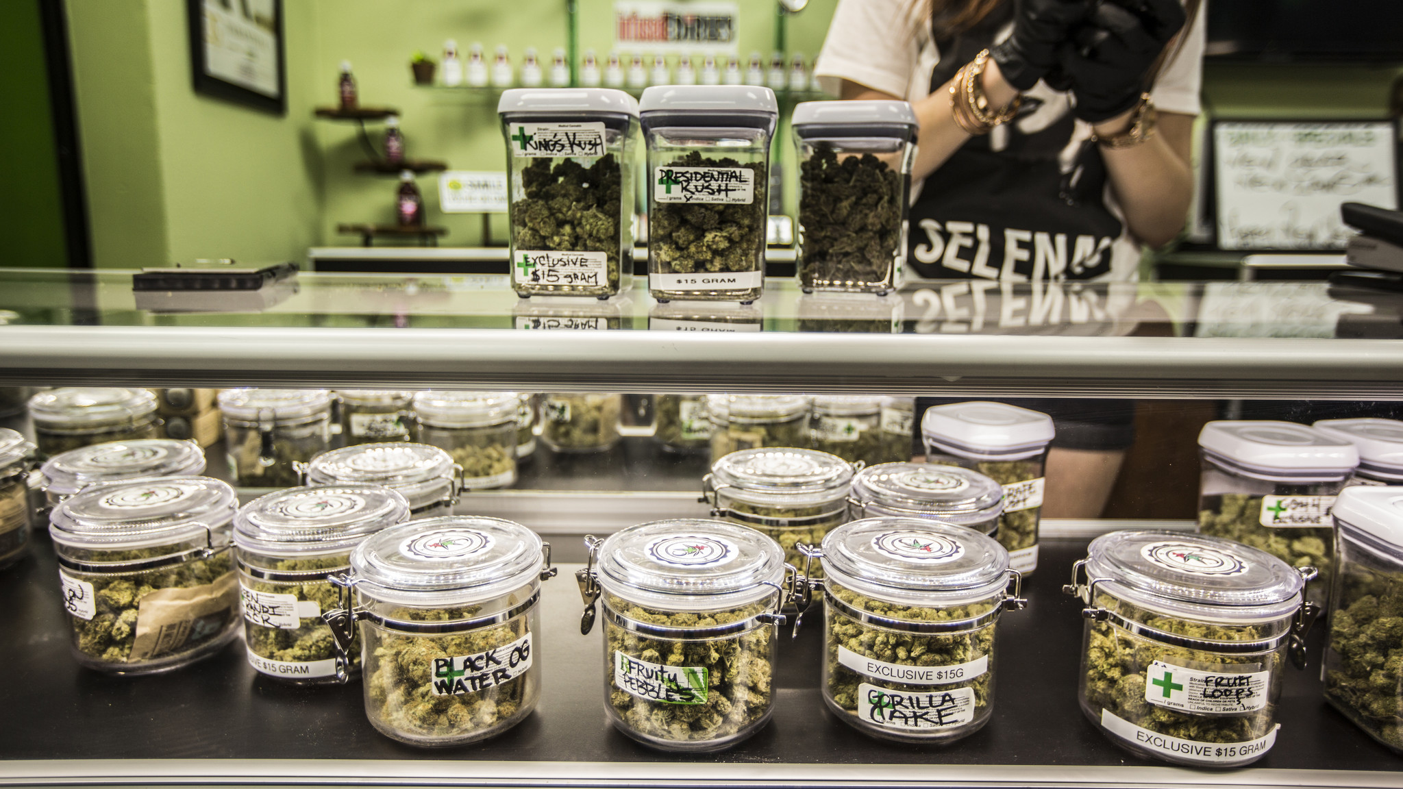 For marijuana users, it's high times as California makes recreational use legal