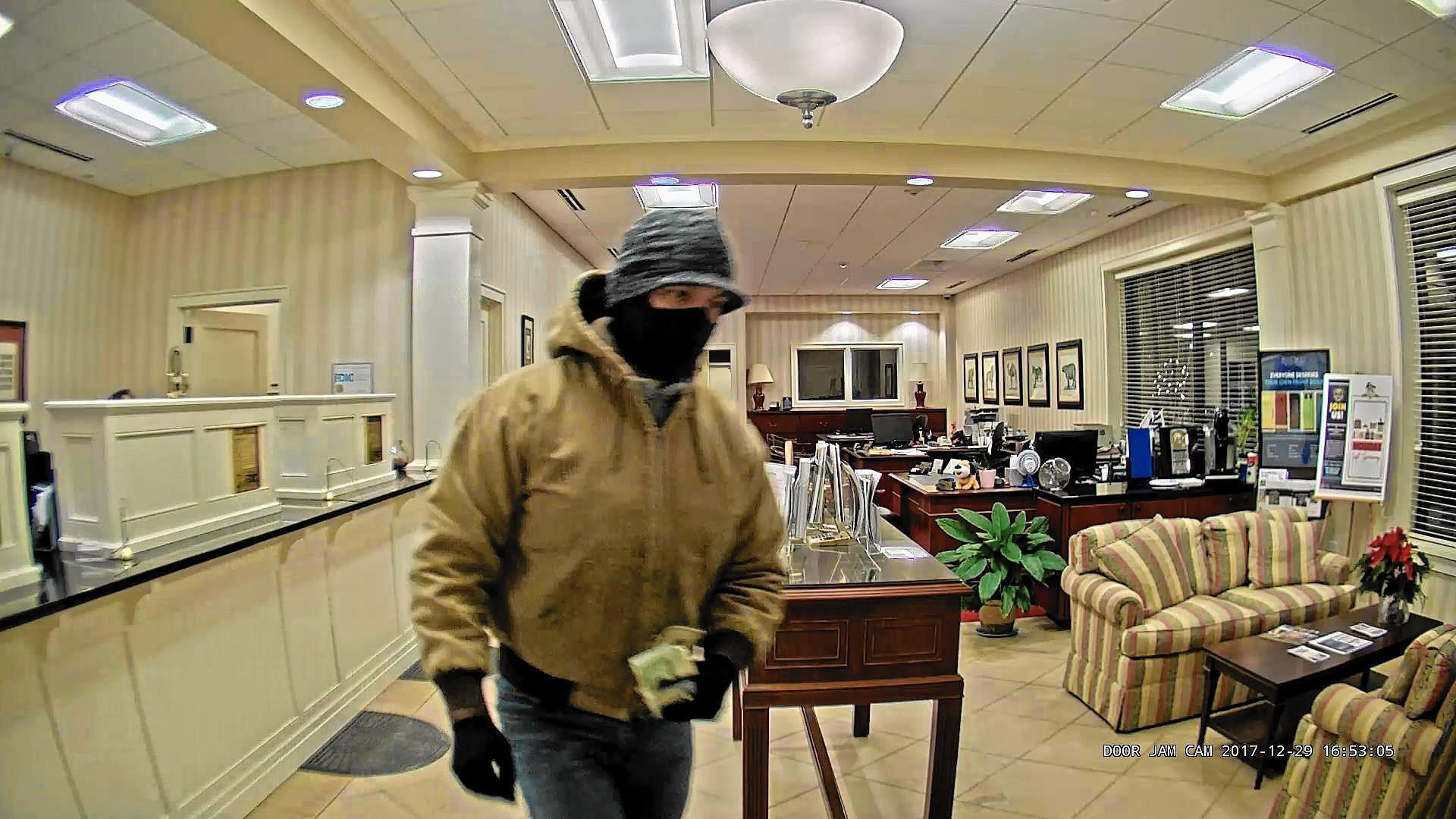 Deerfield police ID suspect in downtown bank robbery