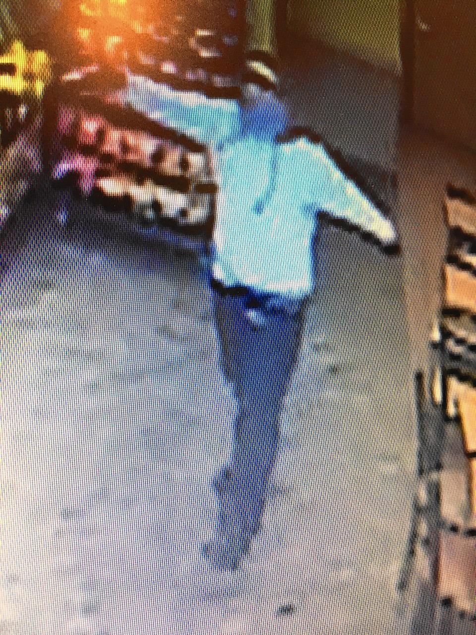 Woman robbed at gunpoint at Buffalo Grove fast food restaurant, police say