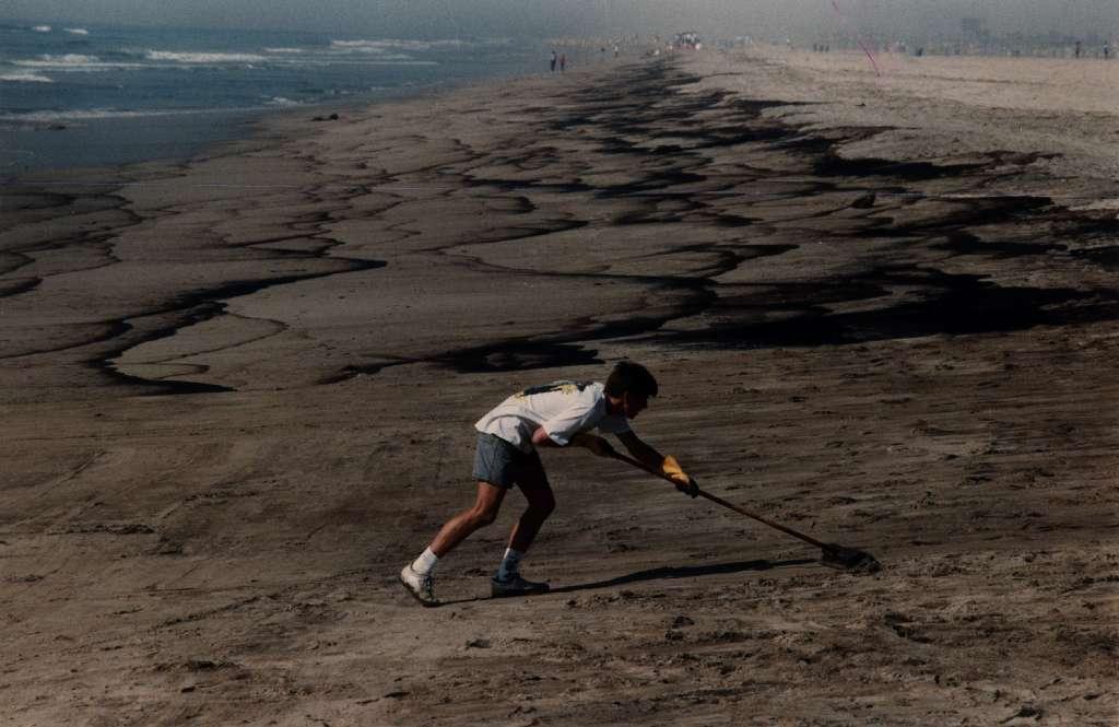1990 Huntington Beach oil spill
