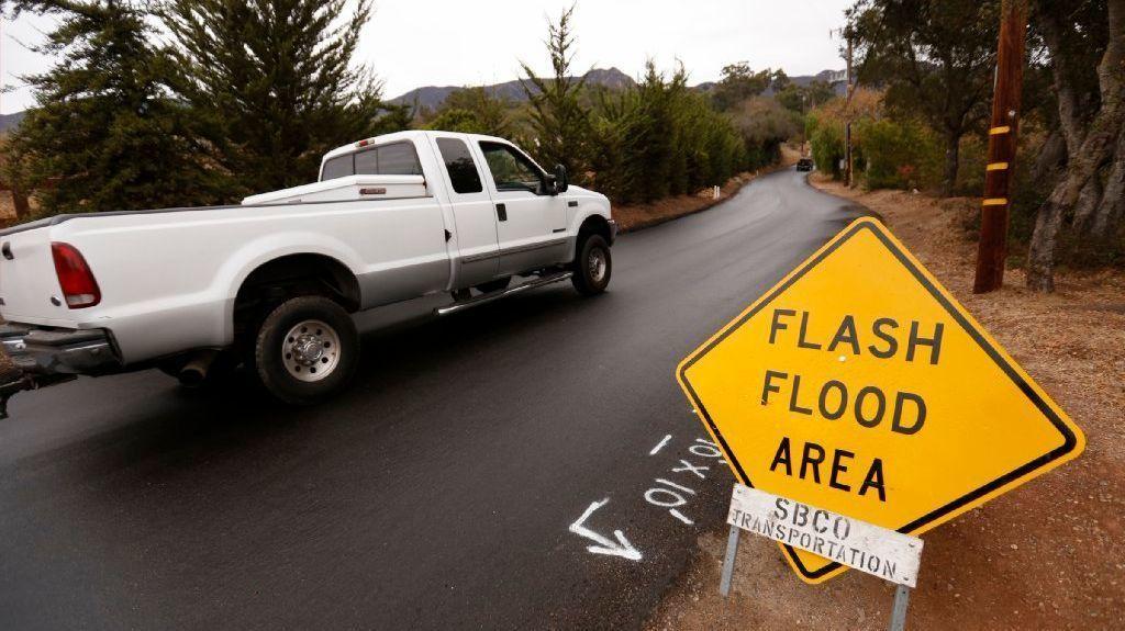 Southern California storm: Rain prompts evacuations, freeway closures