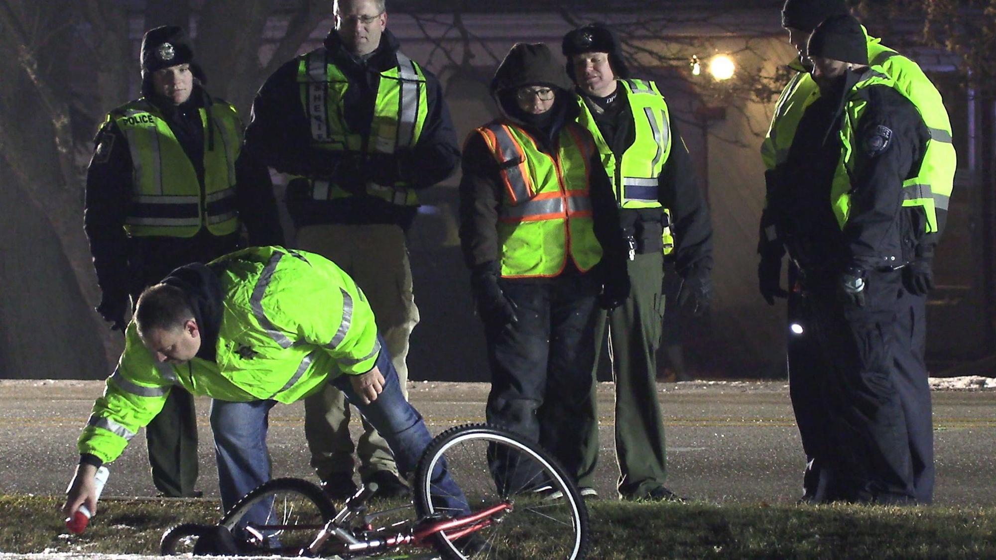 85-year-old bicyclist killed in Mundelein crash: police