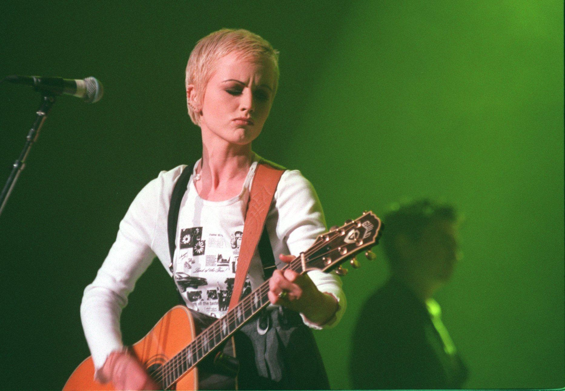 Dolores O'Riordan performs with the Cranberries at the Wiltern in Los Angeles in 1994. (Carolyn Cole / Los Angeles Times)