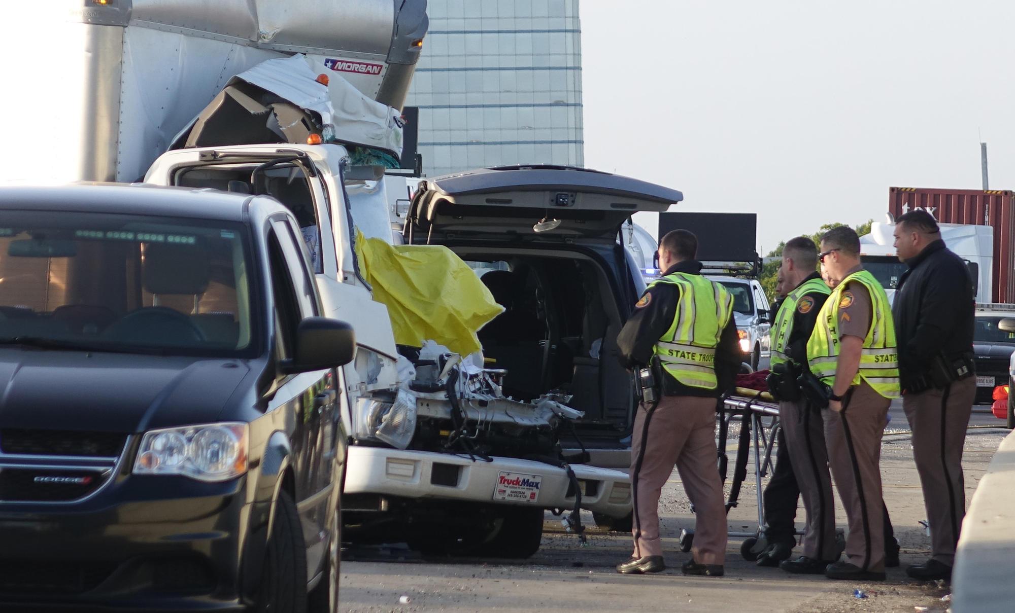 Florida Highway Patrol Traffic >> Man dies in I-95 crash in Broward; traffic snarled for hours - Sun Sentinel