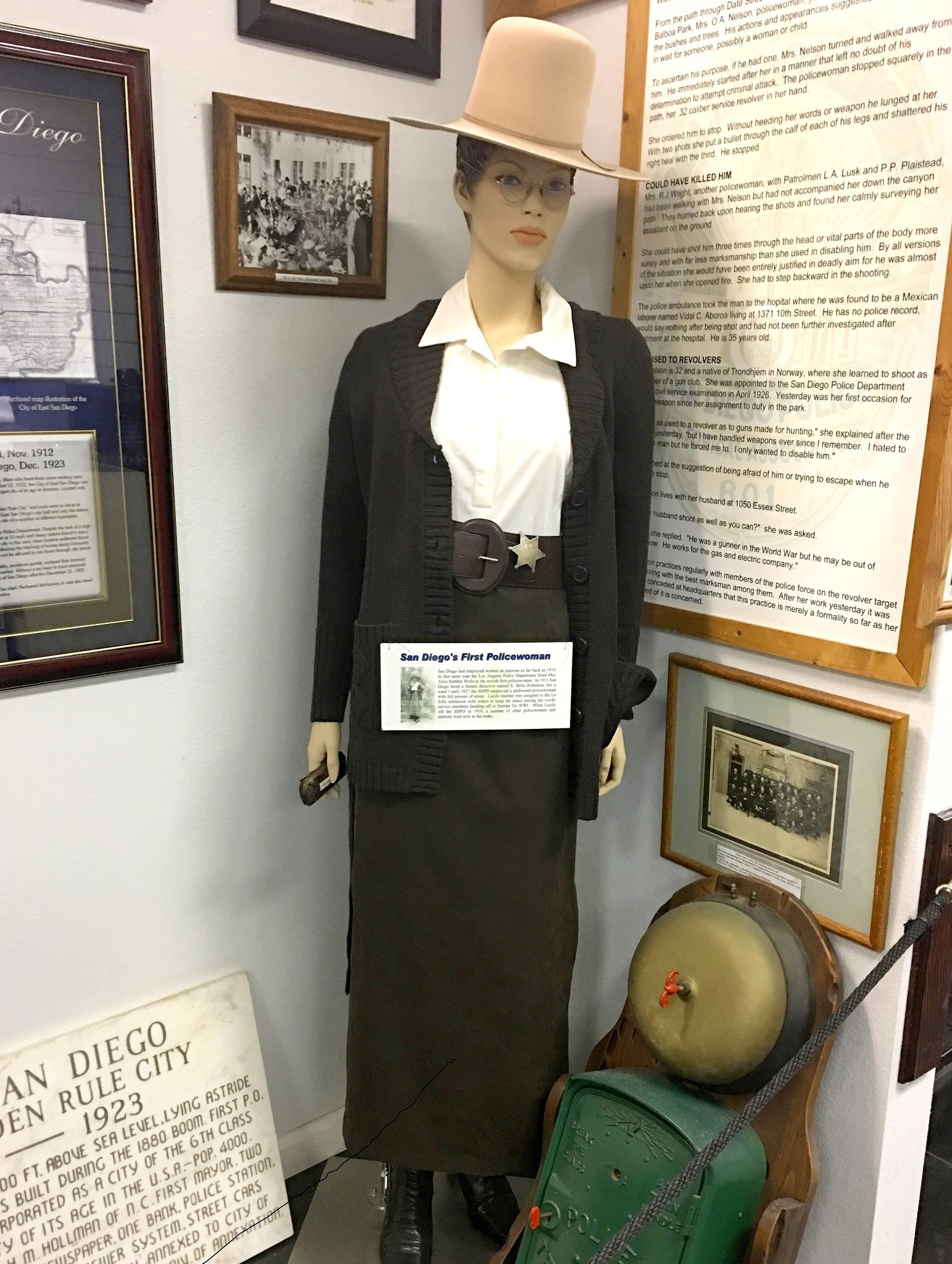 "Lucy ""Jeardue"" mannequin at San Diego Police Museum"