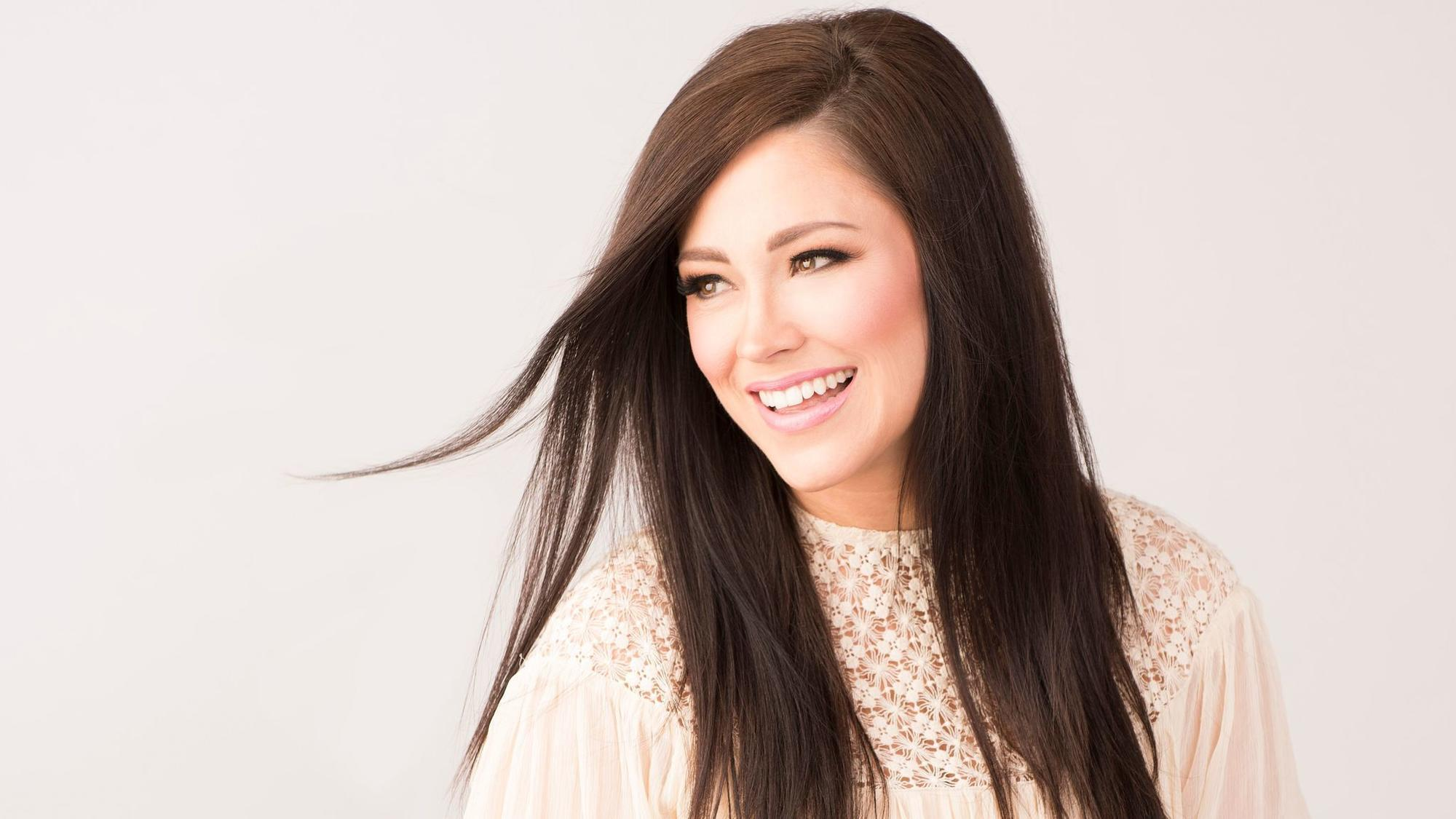 Christian singer Kari Jobe, headlining Winter Jam at Reading\'s ...