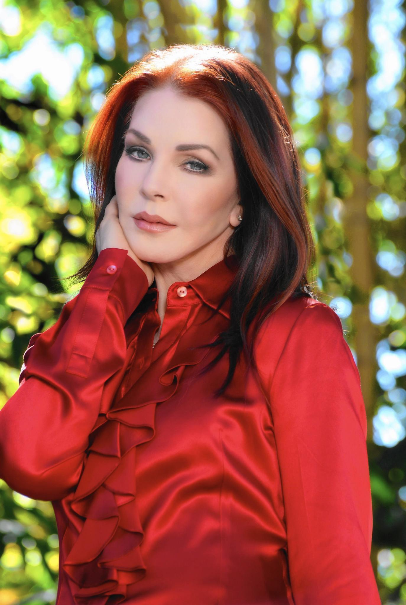 Priscilla Presley Shares Stories Photos Of Life With Elvis At Genesee Lake County News Sun