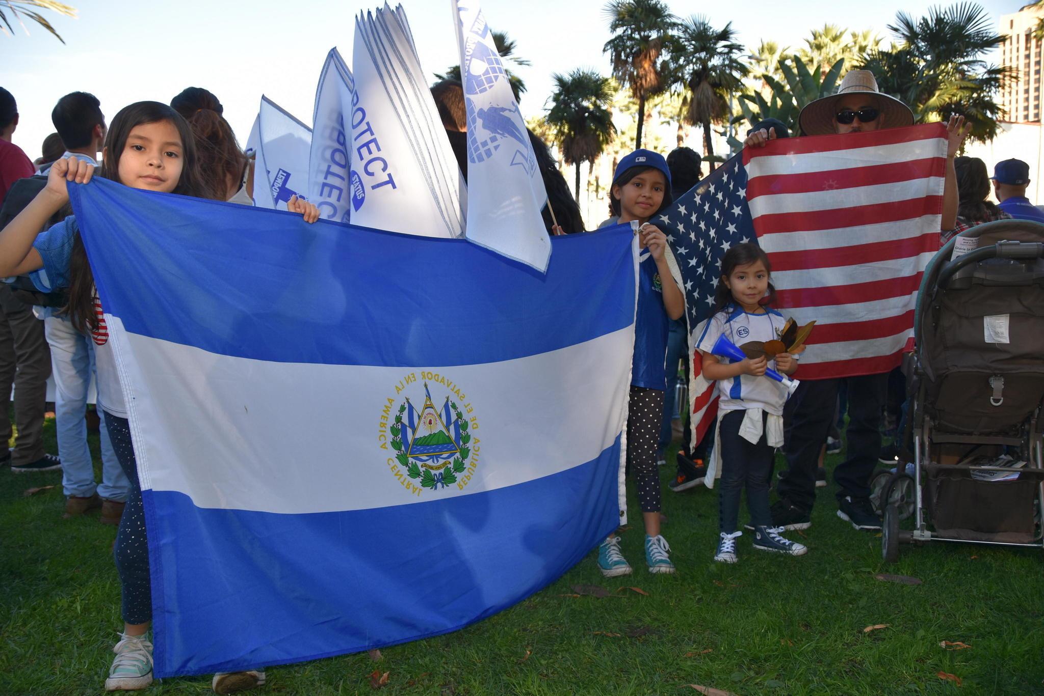 Ct-hoy-el-fin-del-tps-salvadoreno-una-oportunidad-para-conseguir-ley-migratoria-20180118