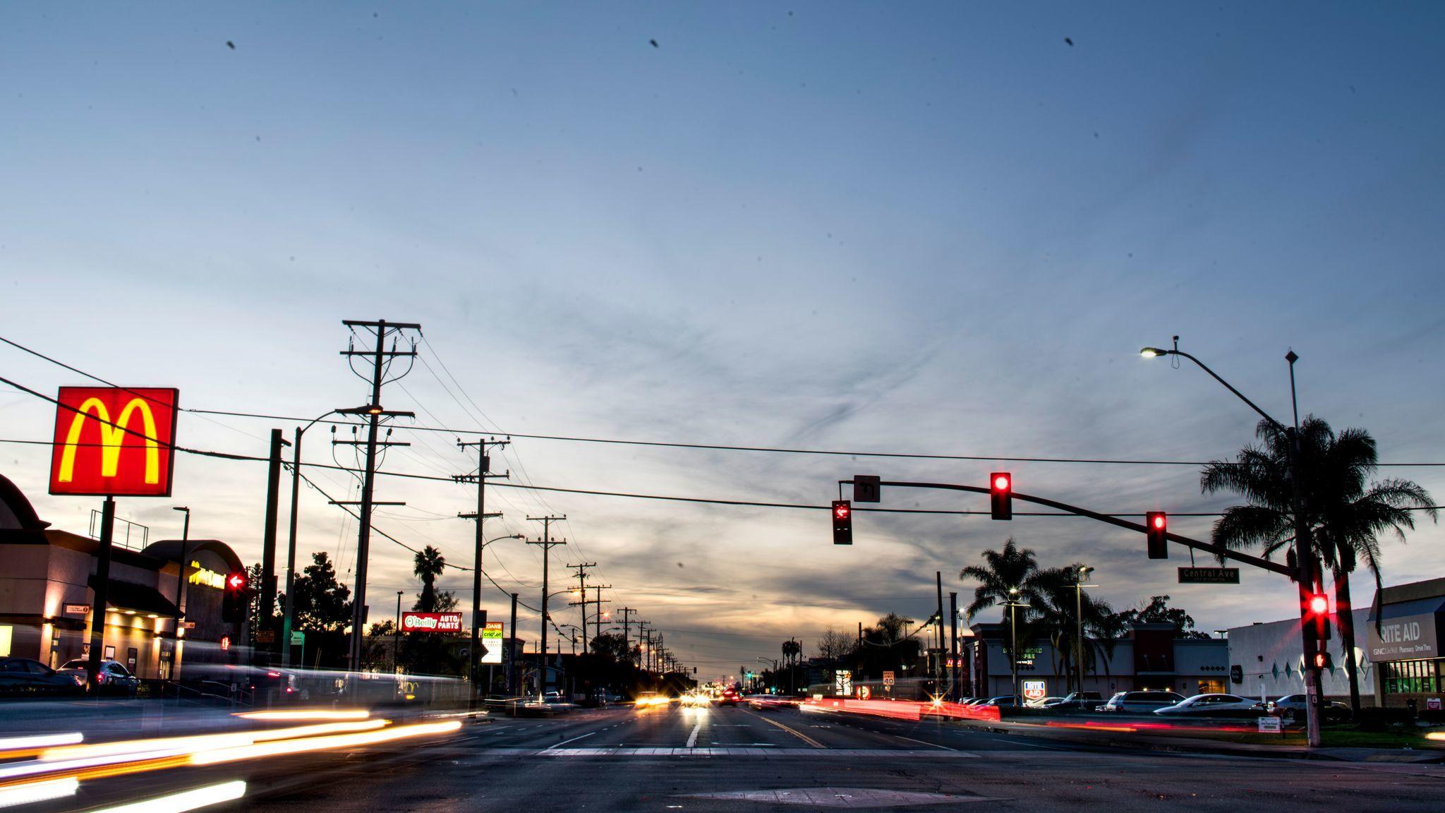 Rosecrans Avenue. (Kent Nishimura / Los Angeles Times)