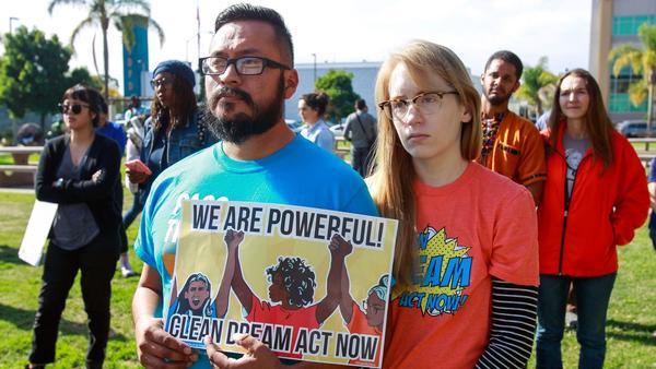 San Diegans rally for DACA as shutdown looms