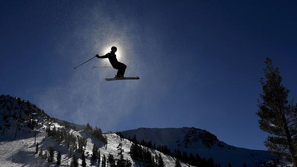 Olympians catch serious air at finals in Mammoth Mountain